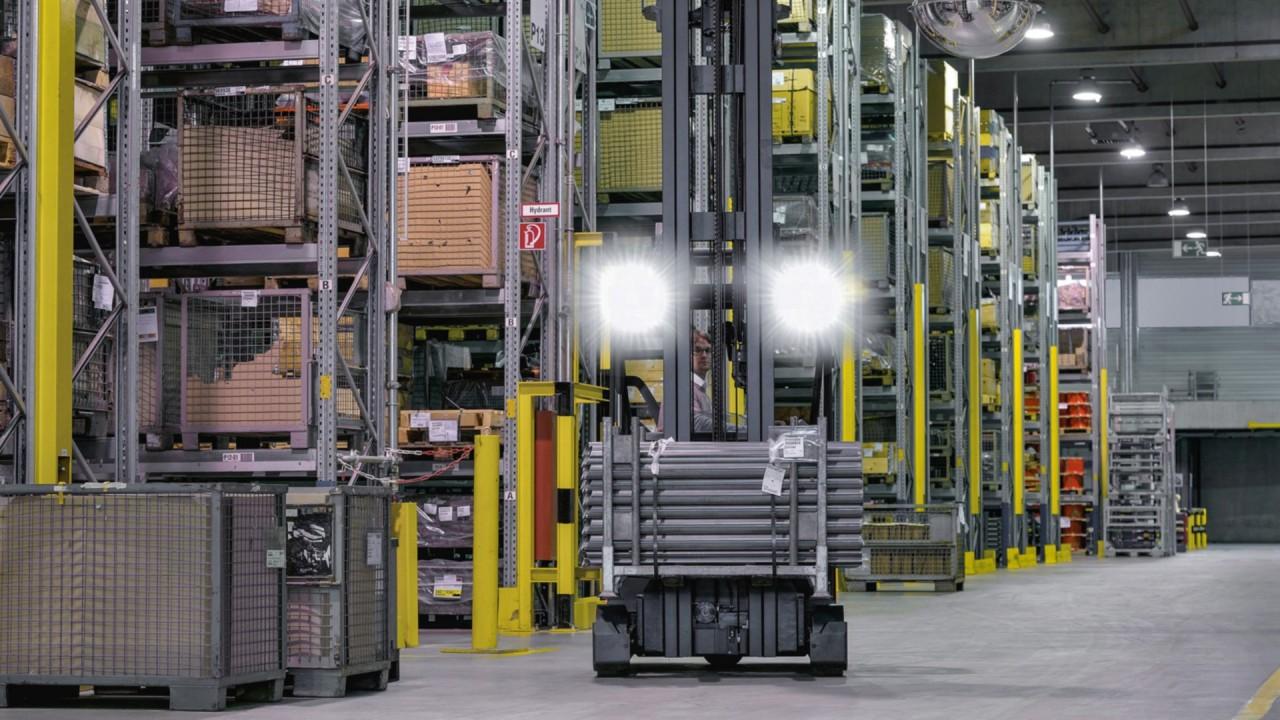 LED工作燈:員工強烈眩光